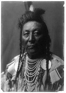 Crow Chief Plenty_Coups_Edward_Curtis_Portrait_(c1908)