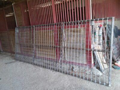New pasture gate